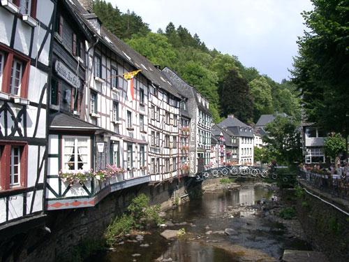 Monschau tourist information monschau for Hotels in eifel germany
